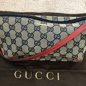 Gucci 💯 Authentic with dust bag